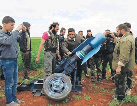 """""""rebeldes"""" sírios: laços evidentes com Al-Qaeda"""