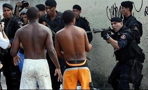 Uma cena comum nas ações do BOPE