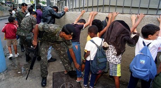 150414-Favelas