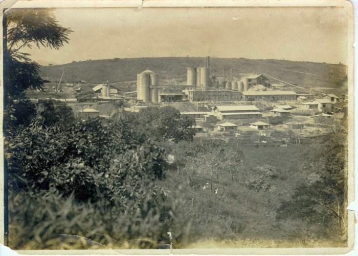 Fábrica de Cimento em seus primeiros anos de funcionamento. Foto: Acervo Nelson Camargo