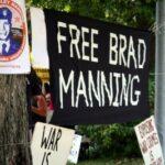 """Parem de maltratar Bradley Manning"""