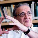 Belluzzo vê Brasil submetido ao dogmas econômicos