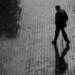 A subversão das caminhadas e silêncios urbanos