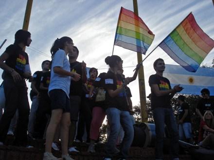 Manifestações em memória de Natalia Gaitán ocorreram nas principais cidades argentinas.