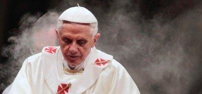 130217-Ratzinger8c]