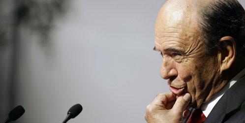 Sr. Emilio Botin, dono do Grupo Santander investigado pela justiça espanhola, por remessas ilegais de dinheiro para o exterior e duvidosas contas na Suiça
