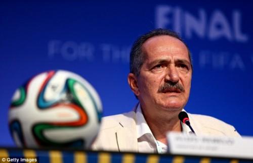 """Presente à entrevista de ontem, ministro Aldo Rebelo não desmentiu informação sobre """"tribunais da FIFA"""""""
