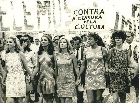 Protesto contra censura, em 1968. Na foto, Tônia Carreiro, Eva Vilma, Odete Lara, Norma Bengell e Ruth Escobar