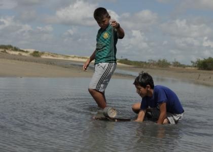 """""""Carrinho de lata"""", praticado no litoral do Ceará"""