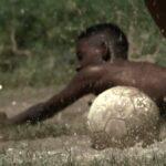 Em <i>Campo de jogo</i>, a resistência do futebol pré-FIFA