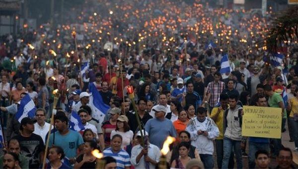 Polícia recusa tomar partidos e faz greve — Honduras